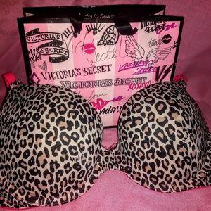 32 D Pink Victoria secret  wear everywhere push up